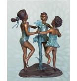 Chorus – Drei tanzende Mädchen Wasserspeier