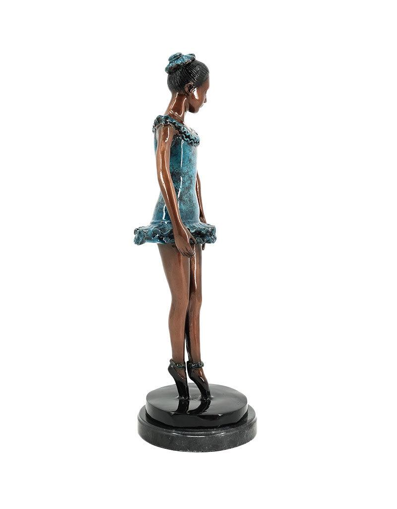 Pas de Bourrée – Ballett Bronzefigur auf Marmor