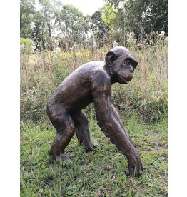 Pan – Schimpanse in Lebensgröße