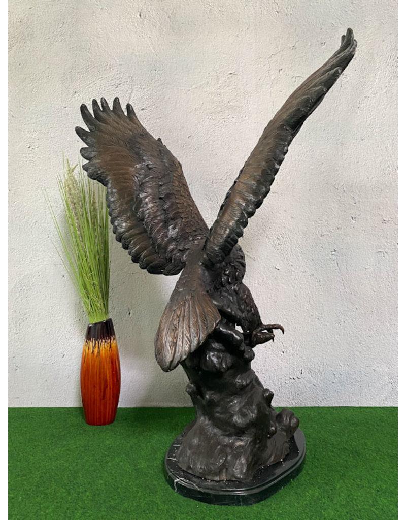 Aquila – Adlerfigur mit Fisch aus Bronze