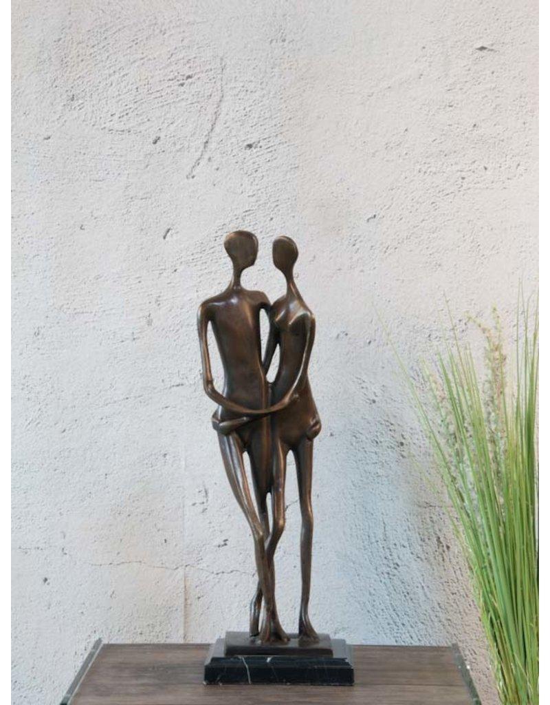 Das Brautpaar – Bronzefigur auf Marmor