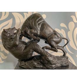 Bullenmarkt – Bronzefigur auf Marmorsockel