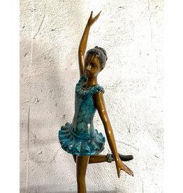 Temps Levé – Tänzerin aus Bronze