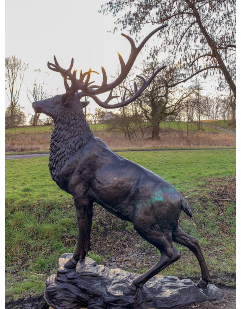Cernunnos – Imposante lebensgroße Hirschskulptur