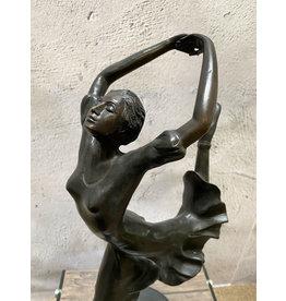 Elise – Art Deco Frauenfigur
