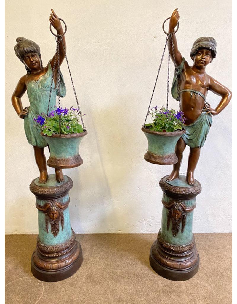 Flora Duett – Kinder mit Blumenkübeln Set