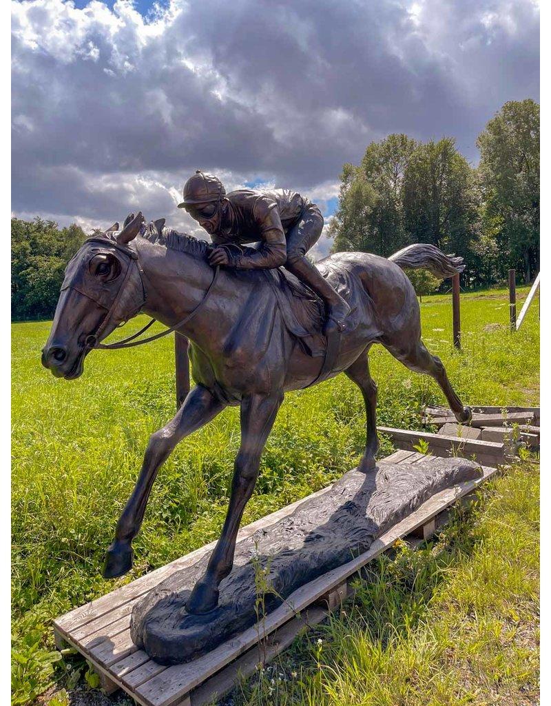 Jockey Lester - Lebensgroßer Reiter auf Pferd