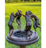 Carmina II – Bronze Springbrunnen tanzende Frauen