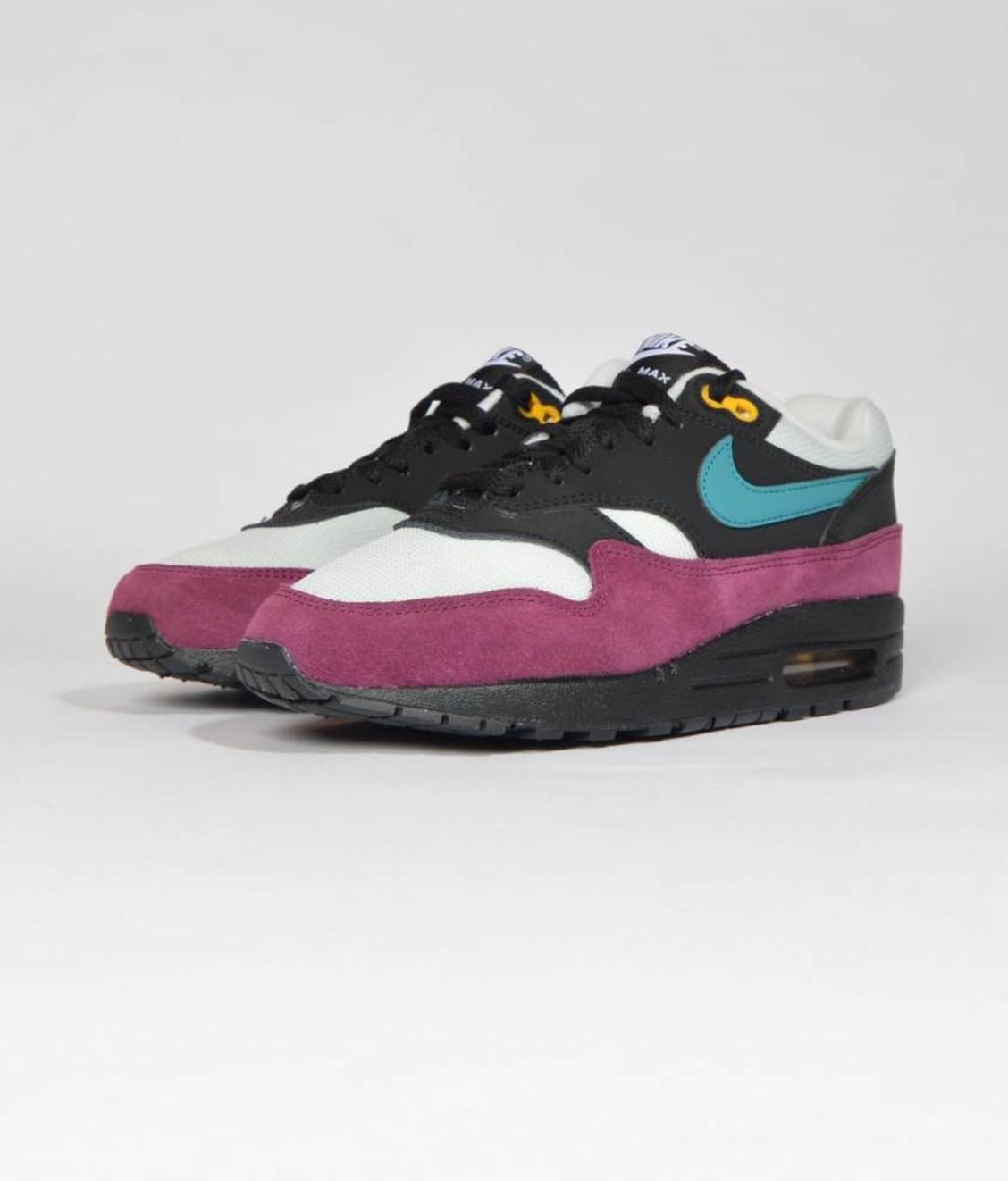 newest e6e0a 6ae56 Nike Nike W Air Max 1 Black Geode Teal