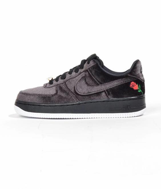 uk availability 9fdd6 cd1c0 Nike Nike Air Force 1 07 QS Black Velvet