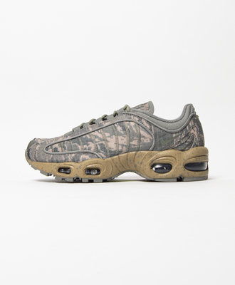 b011257b Nike Nike Air Max Tailwind IV SP Dark Stucco Camo