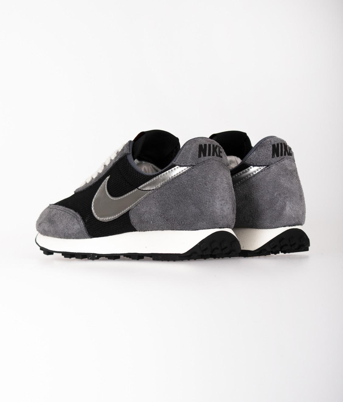 Nike Nike Daybreak SP Black Metallic Silver