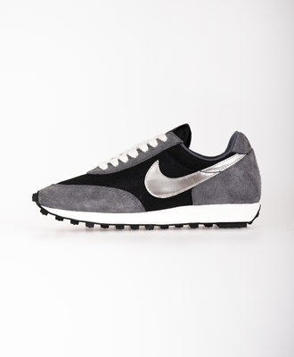 Nike Nike Daybreak SP Black Metallic Silver