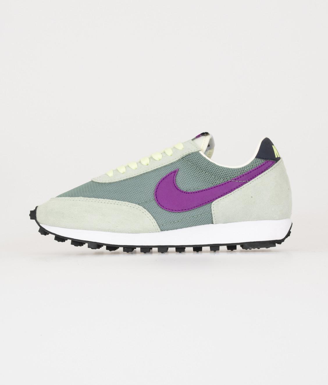 Nike Nike Daybreak Silver Pine top 10