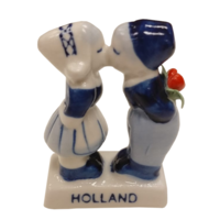 EH - Souvenir - Beeldje - Delftsblauw - Kussend paar - Met tulp - 7cm