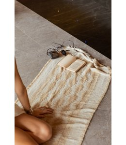 MOOST WANTED SOLTURA PATTERN SCARF - BEIGE/GOLD