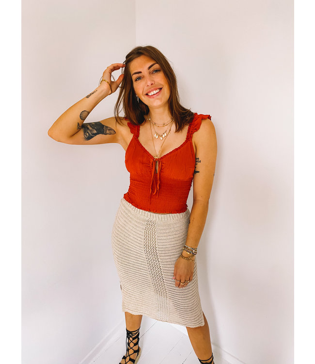 MOOST WANTED JUNE RUFFLE TOP WASHED RED