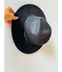 IRIS BLACK HAT