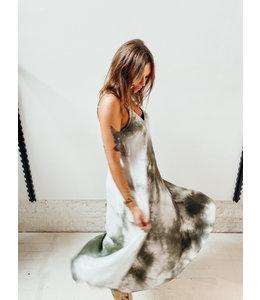 IONA SATIN TIE DYE DRESS - KHAKI