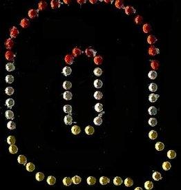 Niiniix Oeteldonk strass applicatie alfabet rood, wit, geel 4cm hoog open letter Q