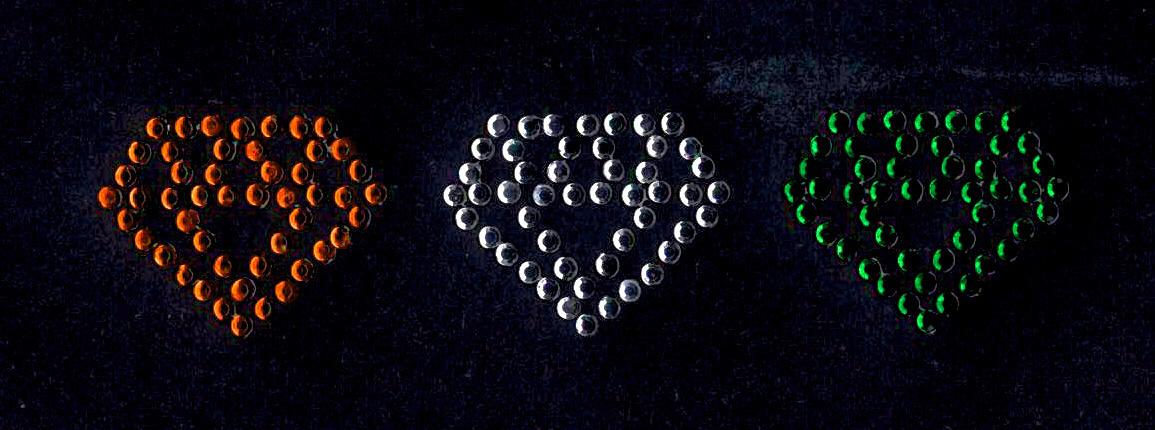 Niiniix Diamantjes per 3 stuks strass embleem Carnaval in Kruikenstad Tilburg voor militair jasje zelf te pimpen