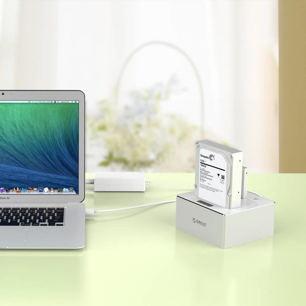 Orico Aluminum Dual Bay External Hard Drive Docking Station for 2.5 & 3.5 inch HDD / SDD with 1-1 Clone USB 3.0 - Silver / White Mac style