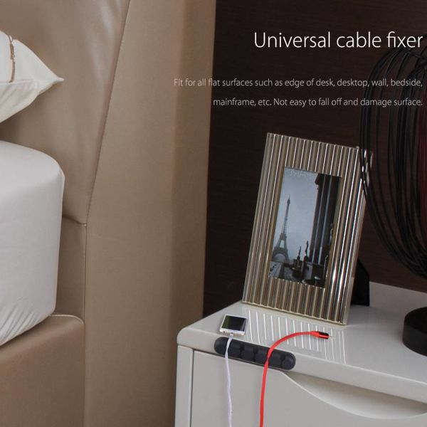 Orico Porte-câble autocollant - Organisez jusqu'à 5 câbles de 5 mm d'épaisseur - 3M - noir