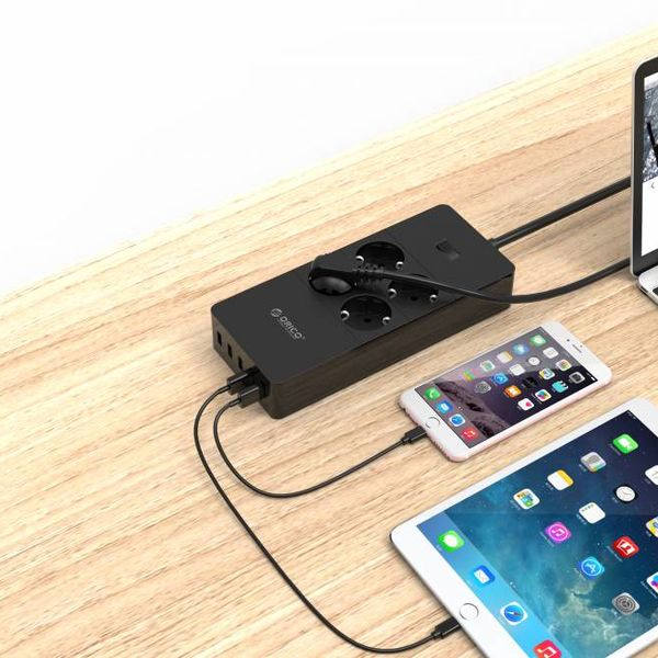 Orico Barrette d'alimentation USB avec quatre prises et cinq ports de charge USB - 4000W - Incl. interrupteur marche / arrêt - Noir