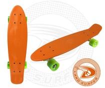 Land Surfer fish skateboard oranje met groene wielen