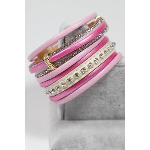 Sweet7 Armband breed in lederen look. Roze