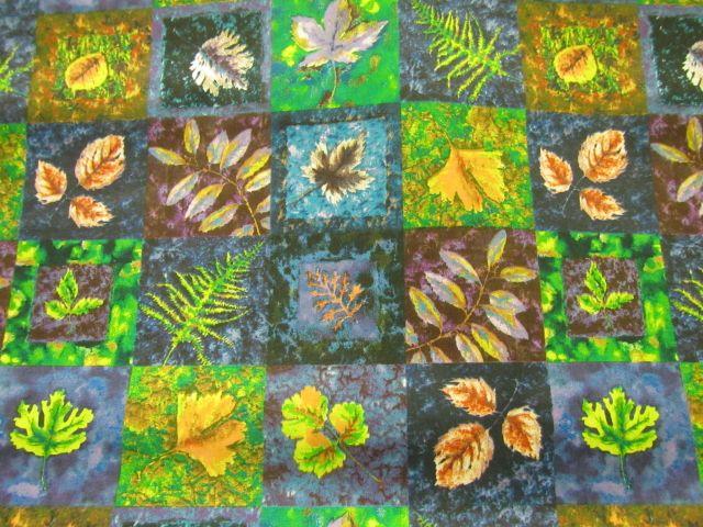 """Baumwollstoff """"Herbstblätter auf blau und grün"""""""