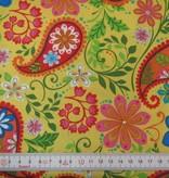 Patchworkstoff buntes Paisley und Blumen auf gelb