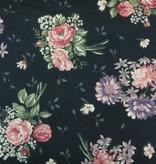 Patchowrkstoff lila und rote Strohblumen auf schwarz