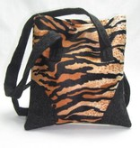 Tasche im Tigermuster