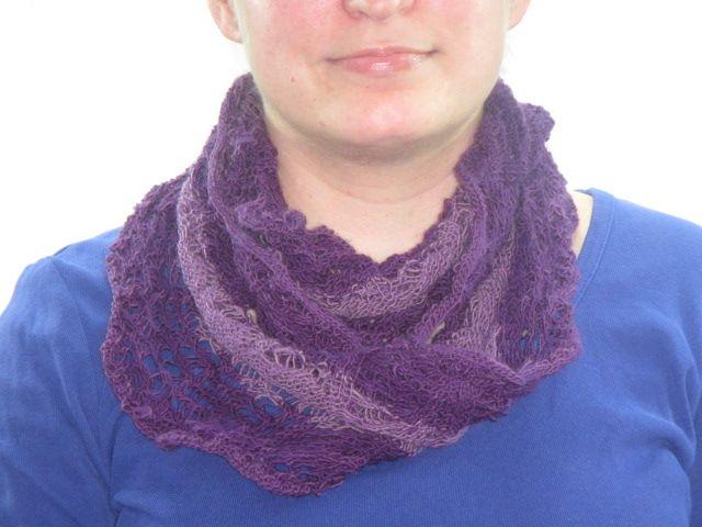 Möbius Lace Loop Violettöne