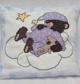 Kissen Teddybär gestickt