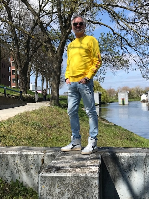 Kleurrijke sweaters van MC2 Saint Barth
