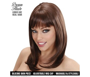 Widmann Hogere kwaliteit bruine pruik Ashley met een golvende steil en pony  - Widmann Pro Dream Hair
