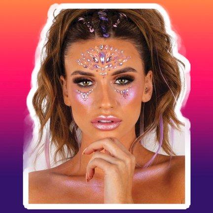 Bijoux du peau et du visage | Tatouage