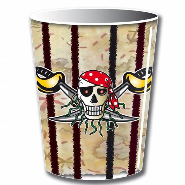 8 bekers met piratenopdruk