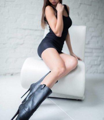 Yarose Shulzhenko Designer leather calf high boots with zipper