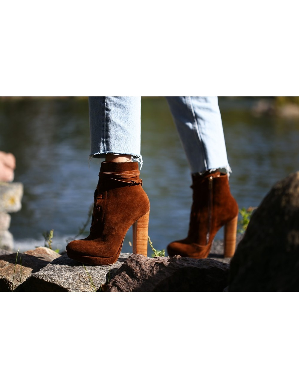Yarose Shulzhenko Sturdy Designer ankle lace-up boots with chunky heels