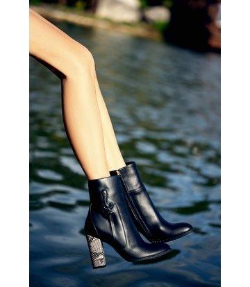 Yarose Shulzhenko Cool 'Dagger' Designer ankle boots with python heels