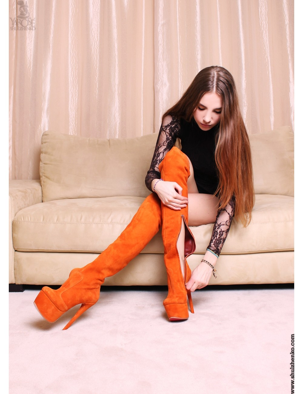 Yarose Shulzhenko Designer Italiaanse hoge oranje platform suede dijlaarzen