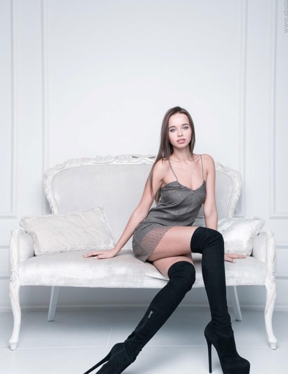 Yarose Shulzhenko Designer Italian stretch platform thigh boots in suede