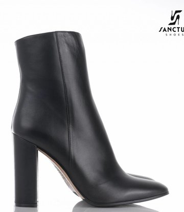 Sanctum  Italian ankle boots with block heels made of genuine calf leather