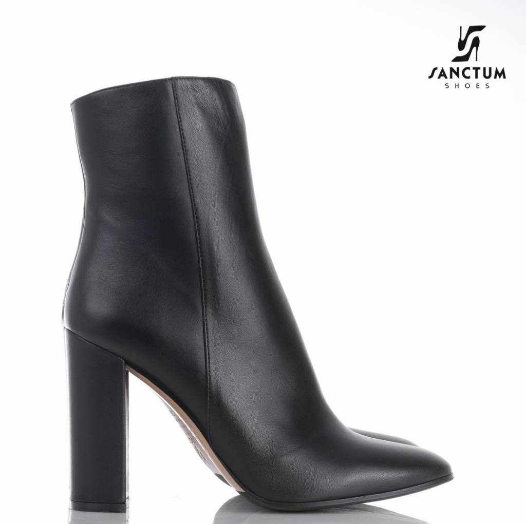 Sanctum  Italian ankle boots with chunky heels in fine black leather