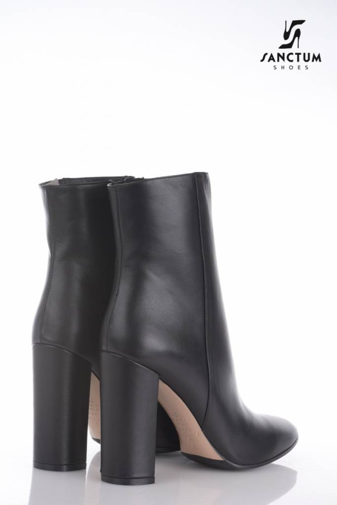 61249b26ad1 Sanctum Italian ankle boots with chunky heels in fine black leather