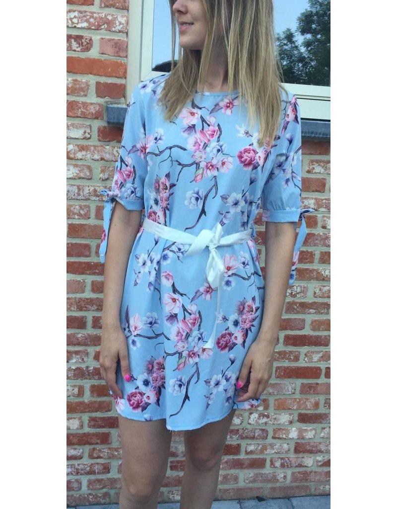 Terra di Siena  Bloemenkleedje Lichtblauw