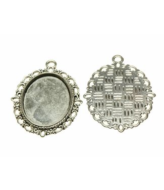 Pendant Oval Silver Colored Fringed Edge per piece